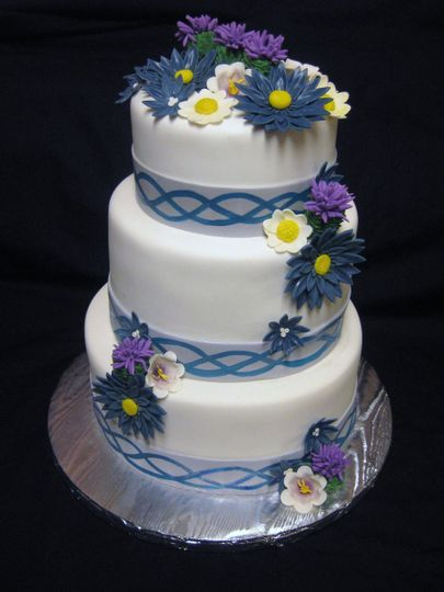 Near And Dear To Your Heart Cakes Wedding Cake Mesa Az