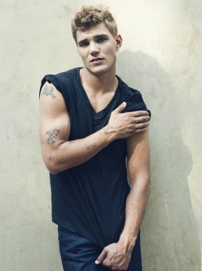chris zylka celebrity makeup grooming leftovers