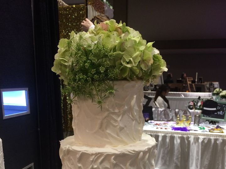 Tmx 1454696204667 Betty Crocker Texture Wedding Cake Seattle, WA wedding cake