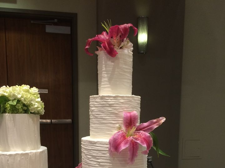 Tmx 1454696223937 Horizontal Texture Wedding Cake Tiered Seattle, WA wedding cake