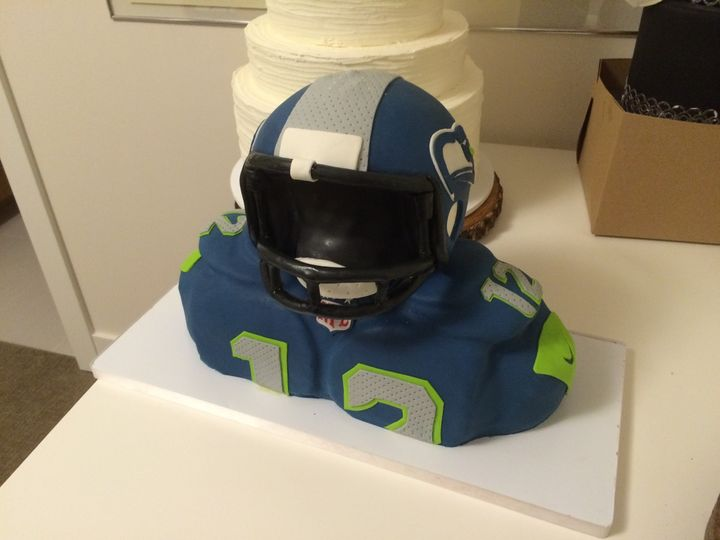 Tmx 1454696241040 Seahawks Football Player 2 Seattle, WA wedding cake
