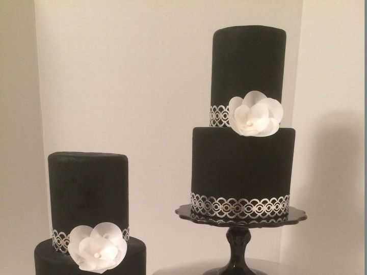 Tmx 1454696646372 Black White And Silver Leaf Tiered Wedding Cake W  Seattle, WA wedding cake