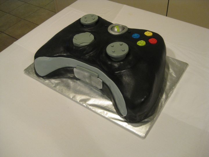 Tmx 1454697999006 Xbox Contoller Sculpted Grooms Sean 2 Seattle, WA wedding cake
