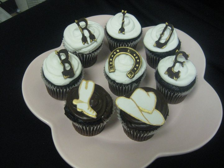 Tmx 1455043778817 Cowboy Bride Cupcakes 1 Seattle, WA wedding cake