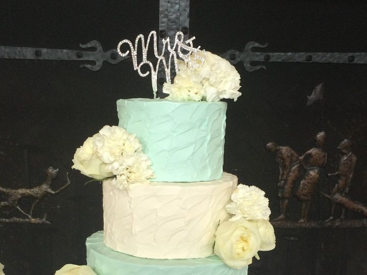 Tmx 1488389814559 Betty Crocker Color Wedding Tiered Fresh Flowers 3 Seattle, WA wedding cake