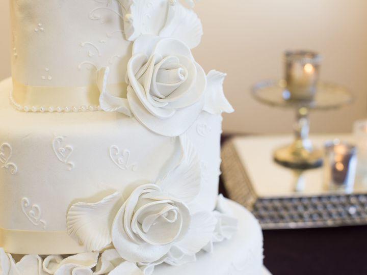 Tmx 1457025382398 Sosweet103 Toledo wedding cake