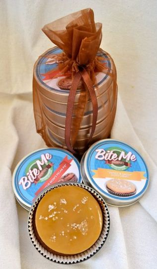 Gift tins in Organza bag