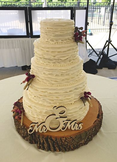 Christys Kitchen Ltd - Wedding Cake - Peru, IL - WeddingWire