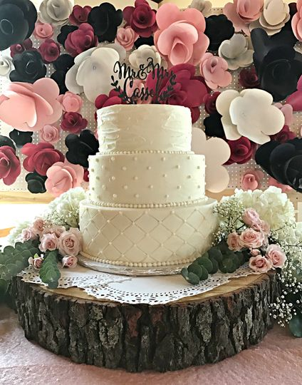 Christy S Kitchen Wedding Cake Peru Il Weddingwire