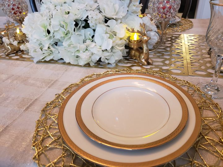 Reves designed place setting