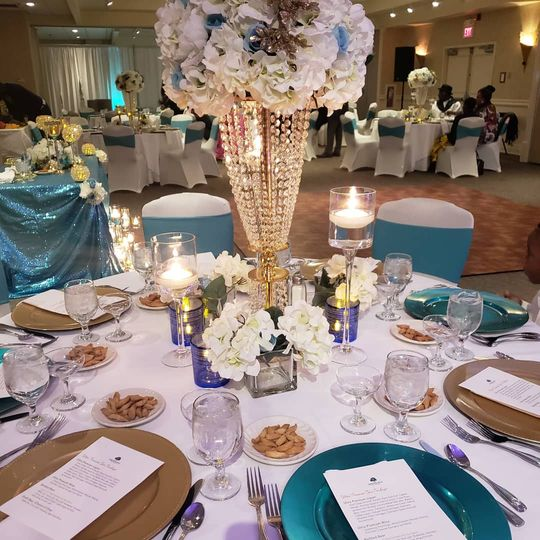 Cream and turquoise table setting