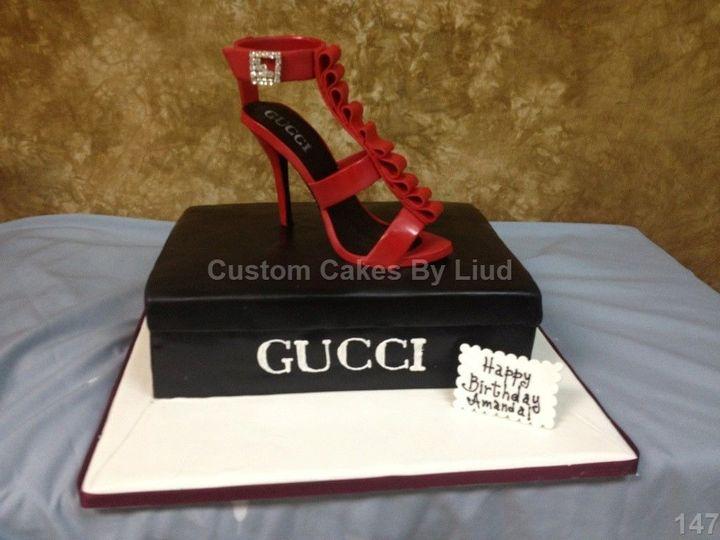 Custom Cakes by Liud
