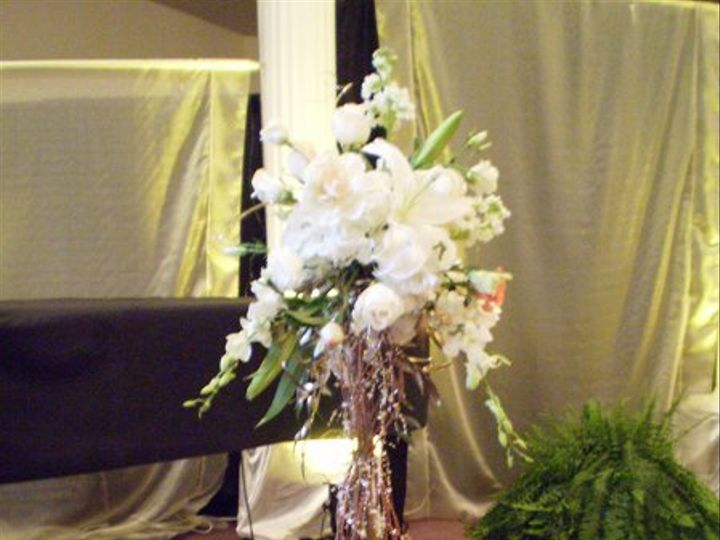 Tmx 1269633330940 Weddingpicts071 New Holland wedding florist