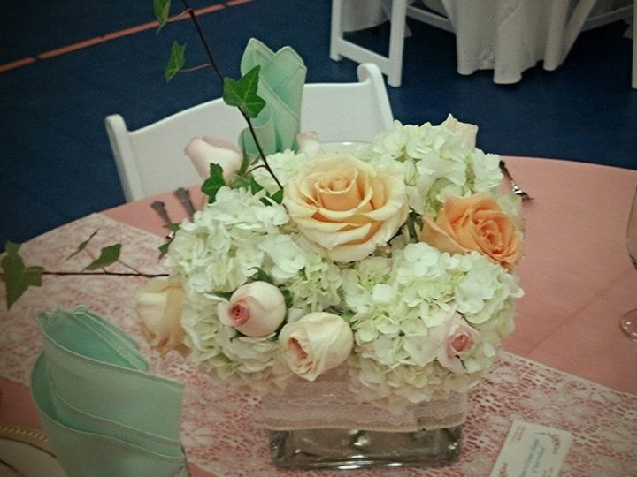 Tmx 1415305218350 Centerpiece2 New Holland wedding florist