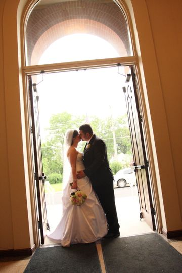 A kiss in the doorway