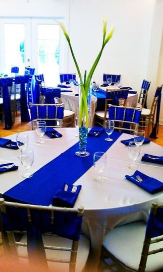 Blue and white round table setup