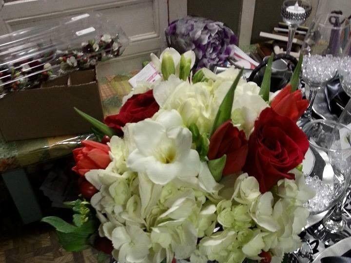 Tmx 1424114730332 104093188896050577503086405420748482427341n Tulsa, Oklahoma wedding florist
