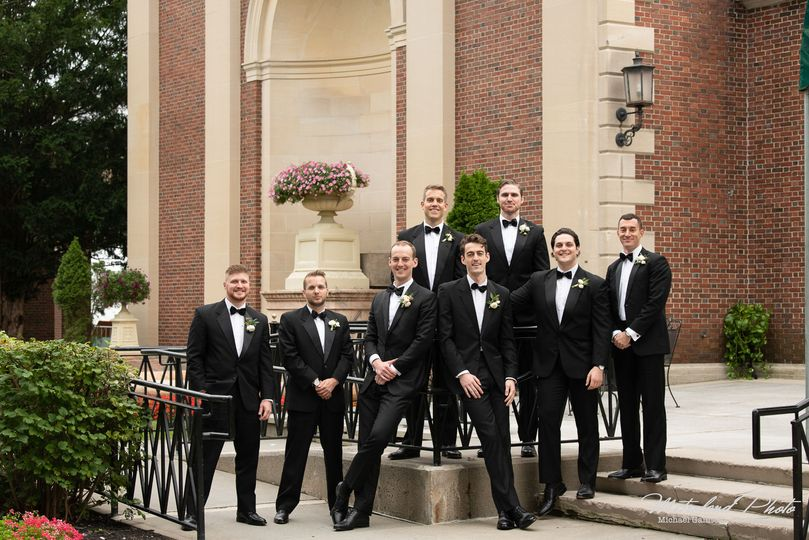 Groomsmen - Metroland Photo, Inc.