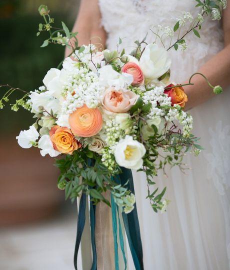 Small bouquet Miki & Sonja PhotographyKristin Banta EventsOjai Valley Inn