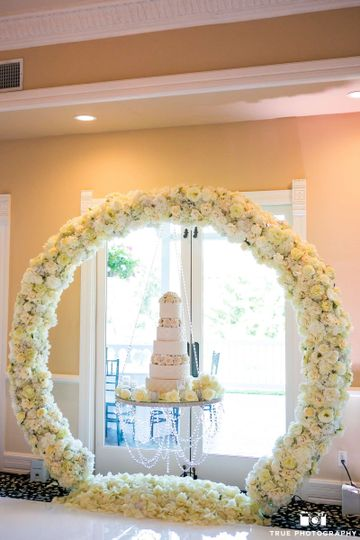 Floral, hanging cake table
