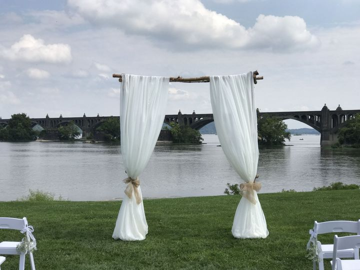 Arch with draping fabric JWR