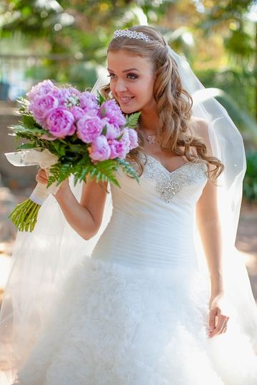 "This beautiful bride is ready to say ""I do""!"