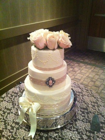 wedding cakes bakery calgary swirl cakes amp cupcakes reviews amp ratings wedding cake 23842