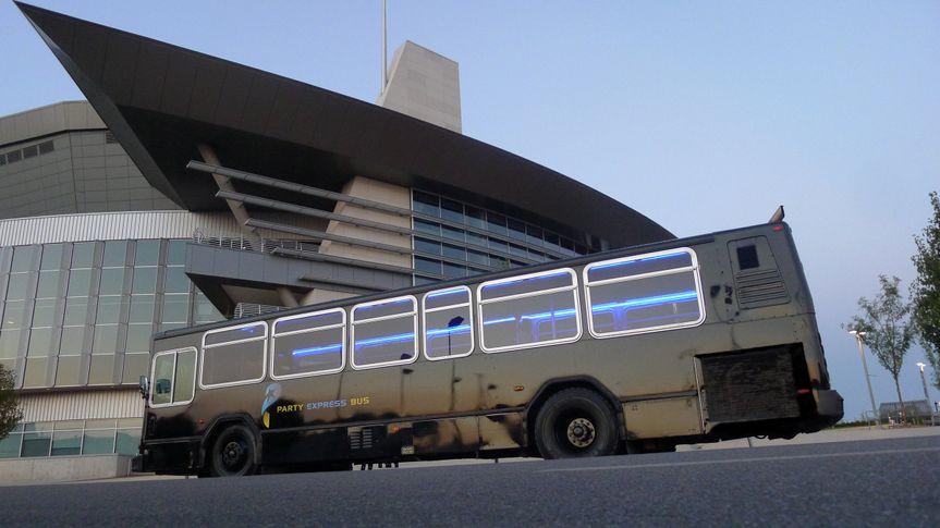 challenger bus 1