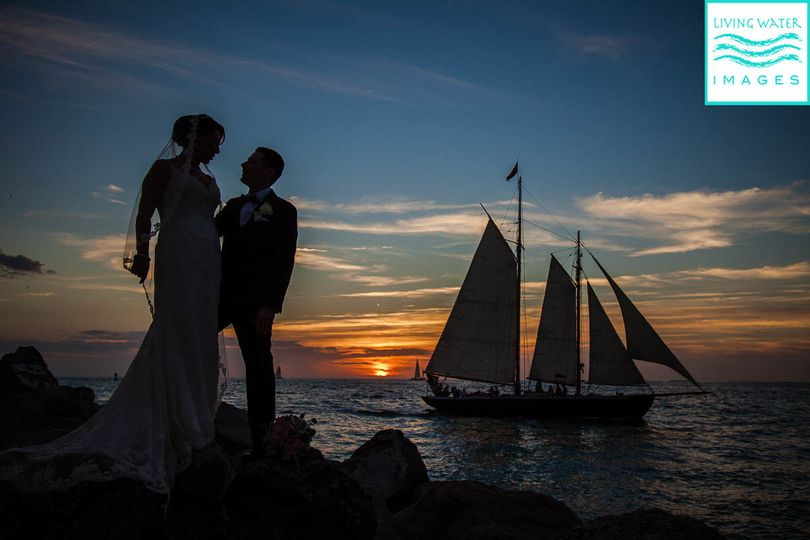 6ae2103e71e05a57 Beach Wedding 24