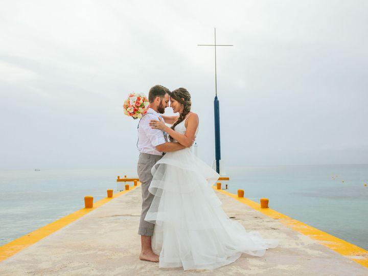 Tmx 1518095959 75872d087d732d55 1518095956 B42f85c8438d9050 1518095944817 7 Rachelmeganphotogr Glen Carbon, IL wedding photography