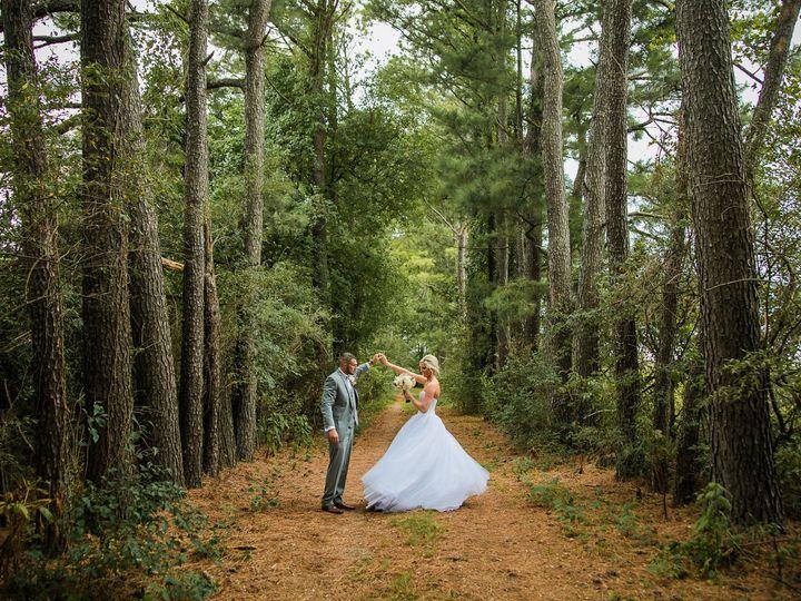 Tmx 1518104964 26e713ed7c4c5681 1518104962 D8cf8362a0c45666 1518104959509 7 Wwr Glen Carbon, IL wedding photography