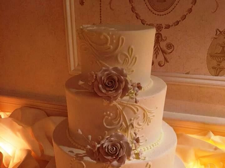 Tmx 1530201507 E9f42f3bcd110700 1530201506 A393e96fc982037b 1530201506518 3 Cascading Scroll Shrewsbury, MA wedding cake