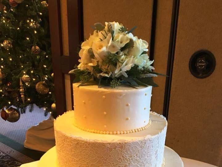 Tmx 1530201664 D7757171405e4140 1530201663 A7b90f0640f28172 1530201663361 14 Ivory Shrewsbury, MA wedding cake