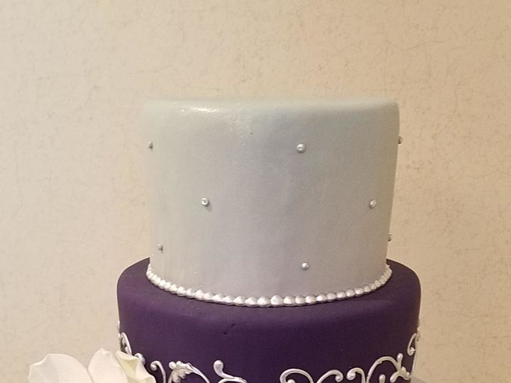 Tmx 1530201697 Cd6a6f373a3535b5 1530201696 410799ea777c19c3 1530201695996 18 Pearls Shrewsbury, MA wedding cake