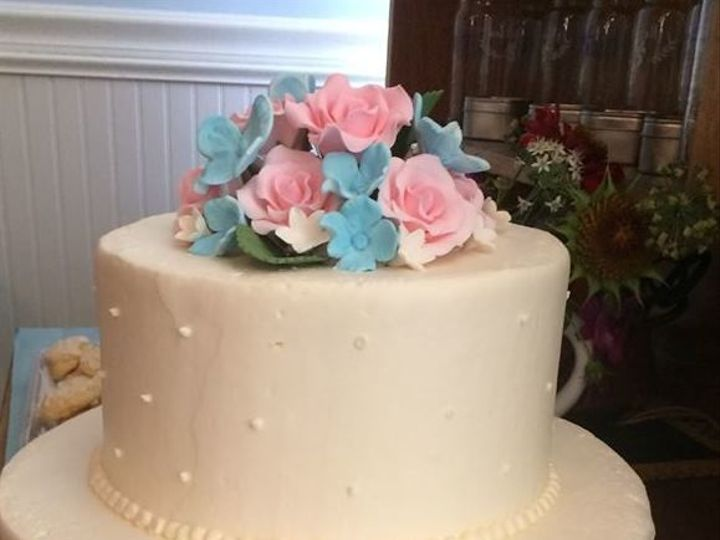 Tmx 1530201786 D9cb3796076e60ea 1530201786 6fec78fb02253f06 1530201785772 26 Understated Shrewsbury, MA wedding cake