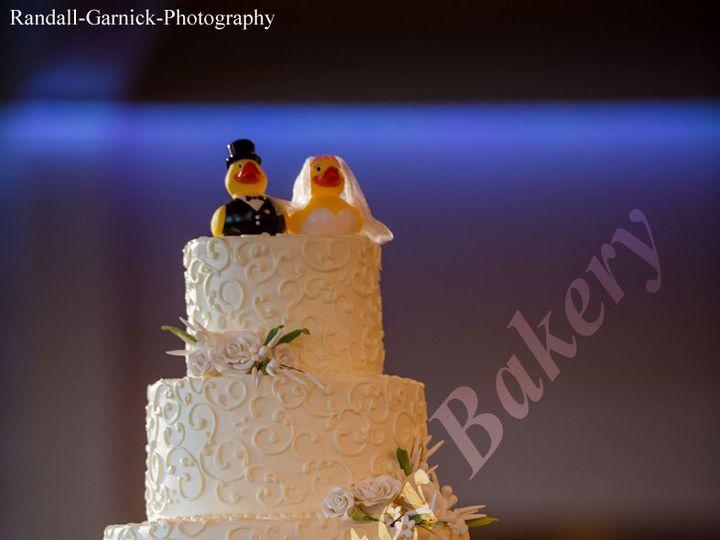 Tmx 1531404934 396fcf263f79cb30 1531404933 Ea484b2ffd5527f3 1531404934903 1 Classic133  2  Shrewsbury, MA wedding cake