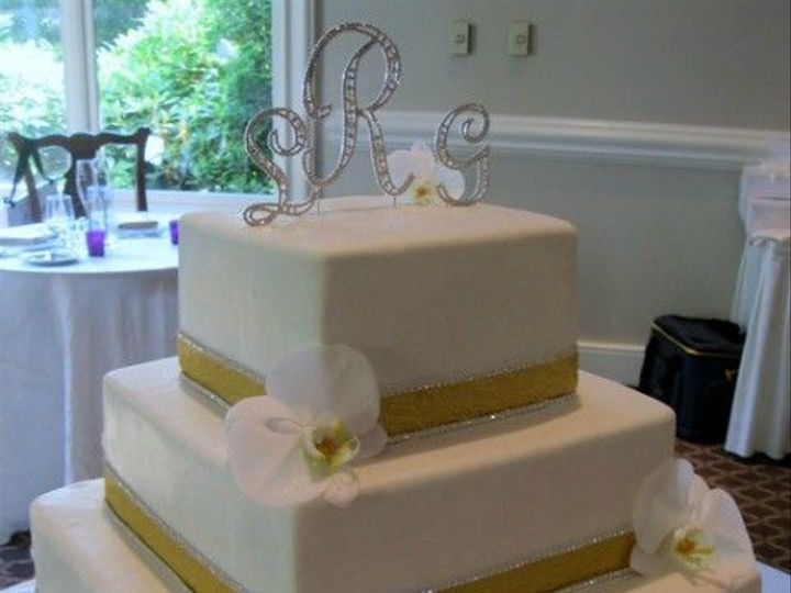 Tmx 1531499333 Bf138e1dc382faa1 1531499332 Cb992770a6f59b82 1531499334714 15 067 IMG 2384 Shrewsbury, MA wedding cake