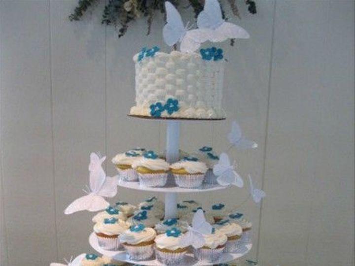 Tmx 1531499355 D4952a1c5b527b7a 1531499355 1c7230b256da96b5 1531499356955 25 43 IMG 1199 Shrewsbury, MA wedding cake