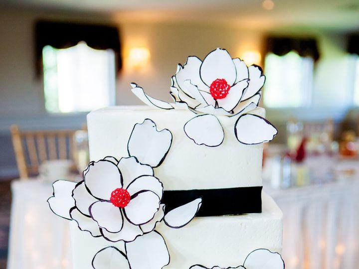 Tmx M 51 45212 161309368493353 Shrewsbury, MA wedding cake