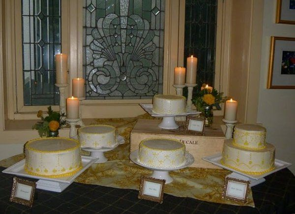 Tmx 1319215619962 Groupcakes1 West Chester wedding cake