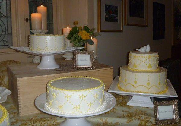 Tmx 1319215632009 Groupcakes2 West Chester wedding cake