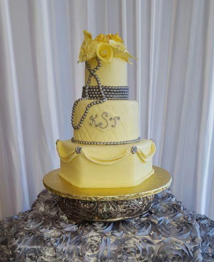 Éva Monét Custom Creations, LLC - Wedding Cake - Stockbridge, GA ...