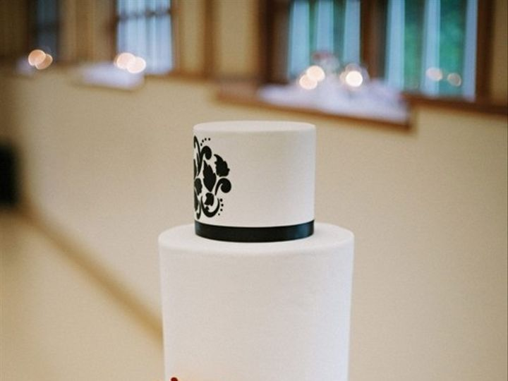 Tmx 1394738049487 Black And White Cake With Crimson Sugar Bloom Seattle wedding cake