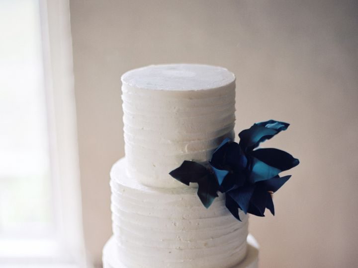 Tmx 1402459697724 Nrleenstra000327 R14 E209 Seattle wedding cake