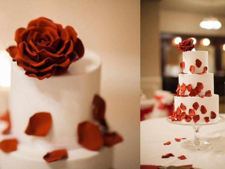 Tmx 1432001850371 Sugar Rose And Cascading Petals Cake   Duo Seattle wedding cake