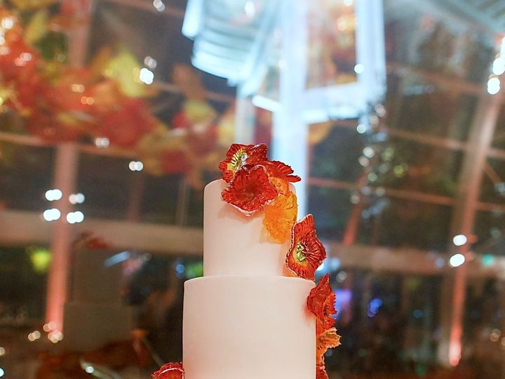 Tmx 1518975057 D00b689c7b8f1bee 1518975055 C4cac995a8fe8167 1518975055559 4 Sugar Glass Cake A Seattle wedding cake