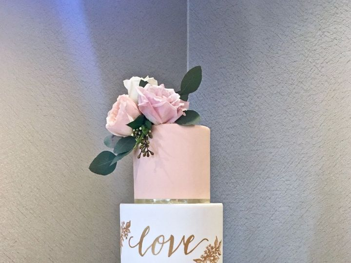 Tmx 1518975072 A5e942b45fed01f1 1518975070 Cbb1059b8ae39f93 1518975069803 5 Marbled Cake With  Seattle wedding cake