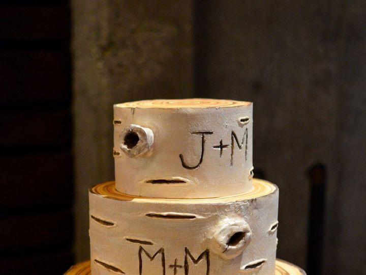 Tmx 1518975140 30cf49286eb65606 1518975138 491cda854007781e 1518975137382 9 Birch Bark Wedding Seattle wedding cake
