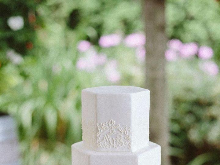 Tmx 1518975286 23340012c8684de1 1518975285 1c6f72f39230a2dd 1518975284435 12 Adrian Wangz Seattle wedding cake