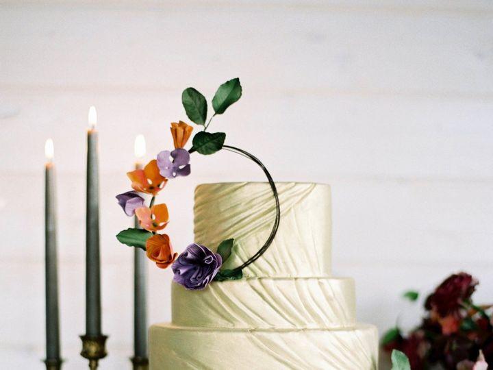 Tmx 1518975294 F6e31f70d9ff6df1 1518975290 Ffc8587d6611bd65 1518975284453 20 CAKE   Celestial  Seattle wedding cake